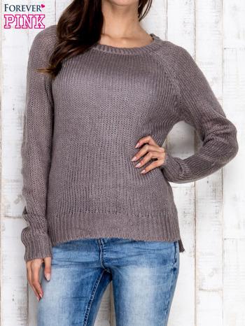 Szary dzianinowy sweter o szerokim splocie                                  zdj.                                  1