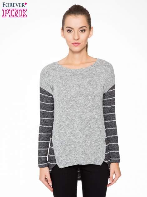 Szary melanżowy sweter z pasiastym tyłem i rękawami                                  zdj.                                  1