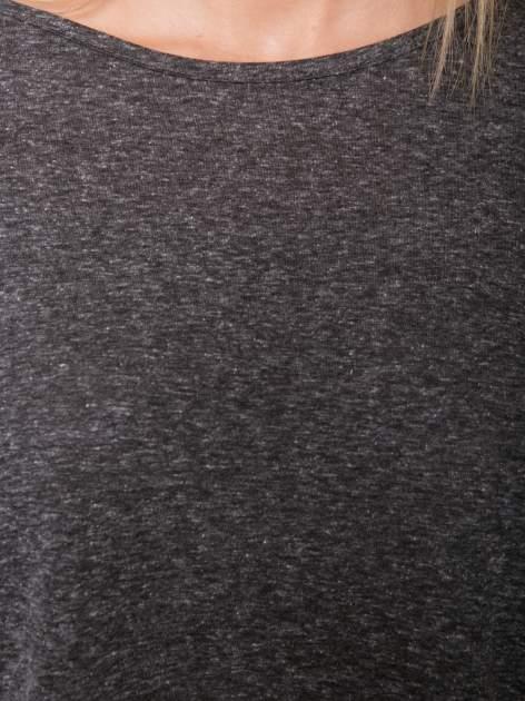 Szary melanżowy t-shirt o luźnym kroju                                  zdj.                                  8