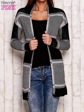 Szary otwarty sweter w kwadraty