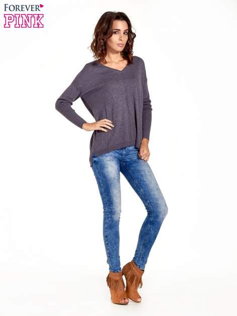 Szary sweter V-neck z rozporkami                                  zdj.                                  8