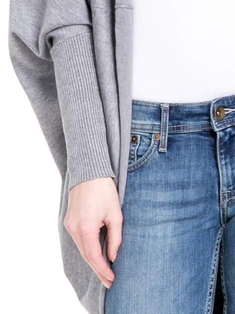 Szary sweter narzutka z nietoperzowymi rękawami                                  zdj.                                  6