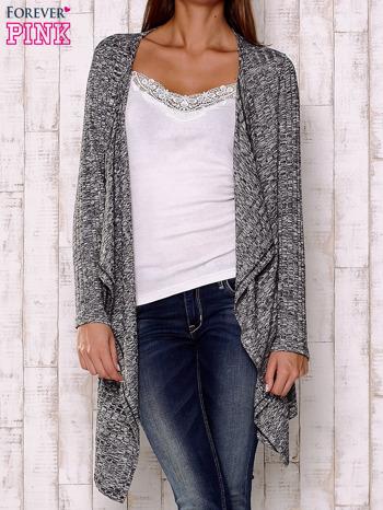 Szary sweter z otwartym dekoltem                                  zdj.                                  1