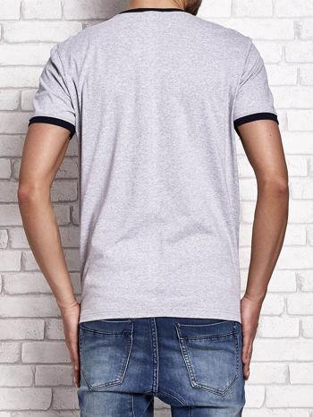 Szary t-shirt męski z napisami