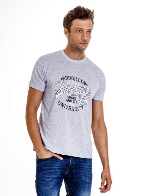 Szary t-shirt męski z napisem BROOKLYN ATHLETIC UNIVERSITY                                  zdj.                                  2