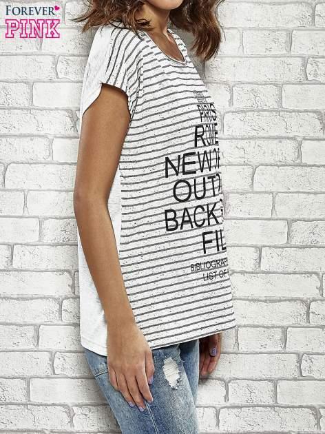 Szary t-shirt w paski z nadrukiem PARIS, ROME, NEW YORK                                  zdj.                                  3
