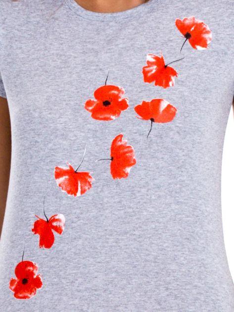 Szary t-shirt z czerwonymi kwiatami                              zdj.                              6