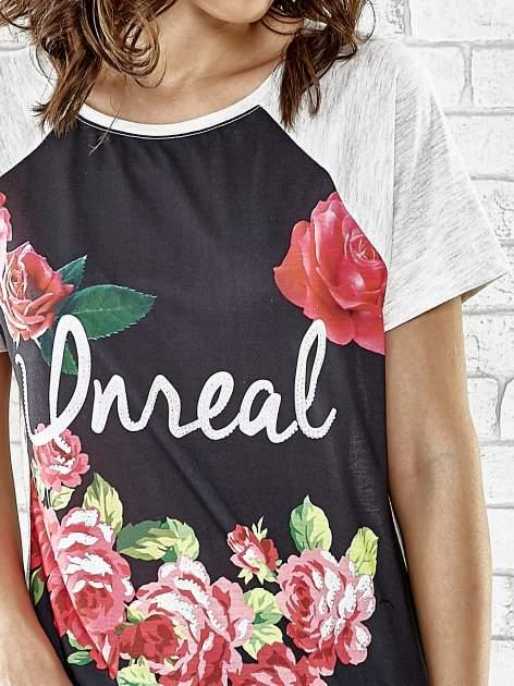 Szary t-shirt z kwiatowym nadrukiem i napisem UNREAL                                  zdj.                                  5