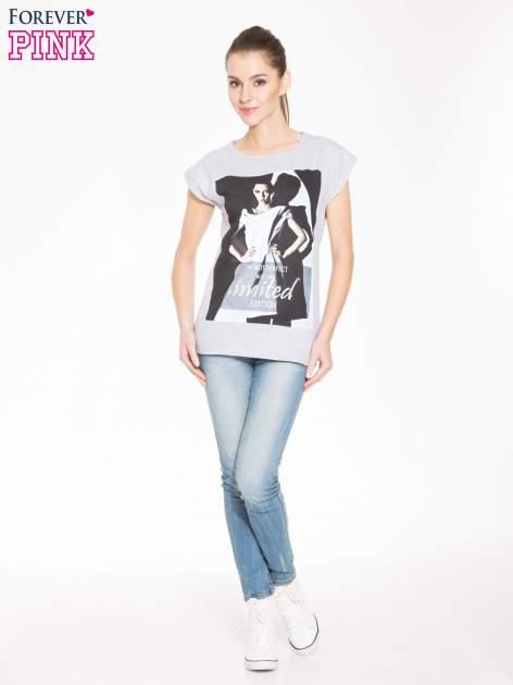 Szary t-shirt z nadrukiem I'M NOT PERFECT BUT I AM LIMITED EDITION                                  zdj.                                  4