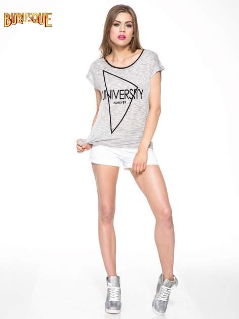 Szary t-shirt z nadrukiem UNIVERSITY FORVER                                  zdj.                                  2