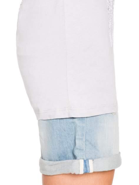 Szary t-shirt z nadukiem WHY? z przodu i na plecach                                  zdj.                                  8