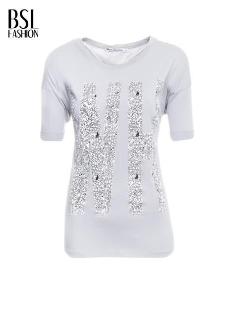 Szary t-shirt z nadukiem WHY? z przodu i na plecach                                  zdj.                                  2