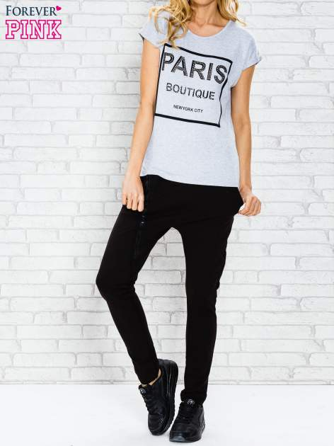 Szary t-shirt z napisem PARIS BOUTIQUE z dżetami                                  zdj.                                  4