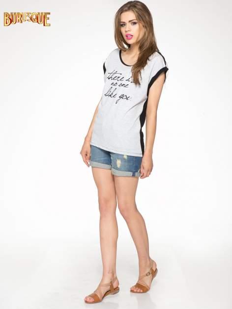 Szary t-shirt z napisem THERE IS NO ONE LIKE YOU                                  zdj.                                  2