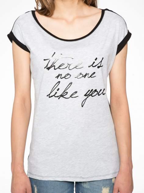 Szary t-shirt z napisem THERE IS NO ONE LIKE YOU                                  zdj.                                  6
