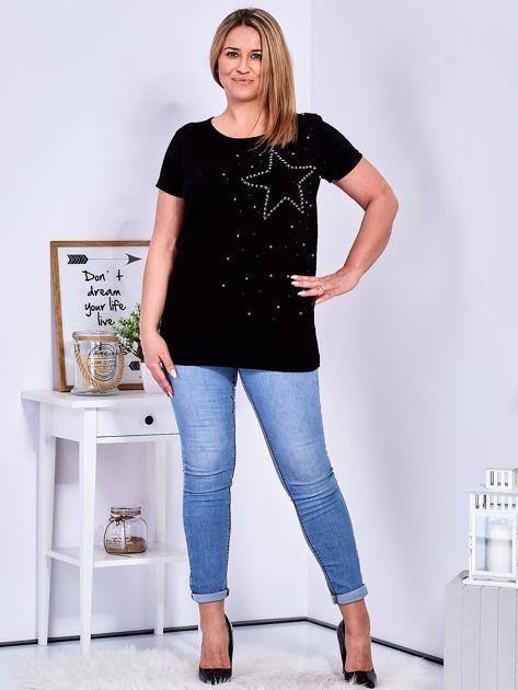 T-shirt czarny z gwiazdą z perełek PLUS SIZE                              zdj.                              4
