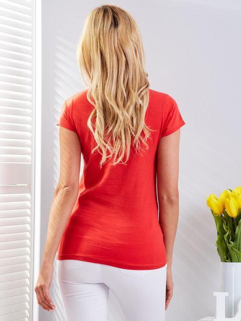 T-shirt czerwony z motylami                                  zdj.                                  2