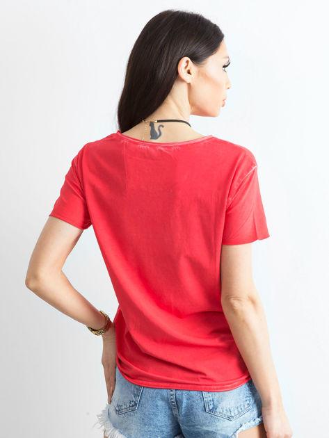 T-shirt damski z kolorowymi pomponikami czerwony                              zdj.                              2