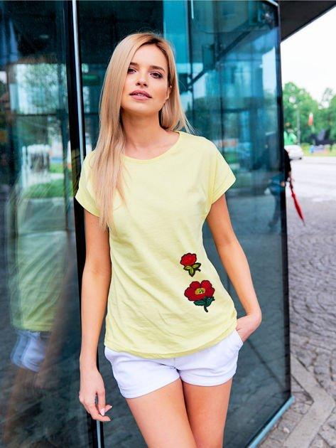 T-shirt damski żółty z naszywkami FLOWERS                              zdj.                              1