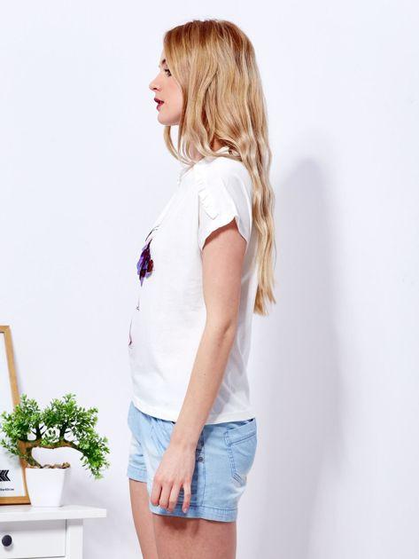 T-shirt ecru z cekinowym flamingiem                              zdj.                              5