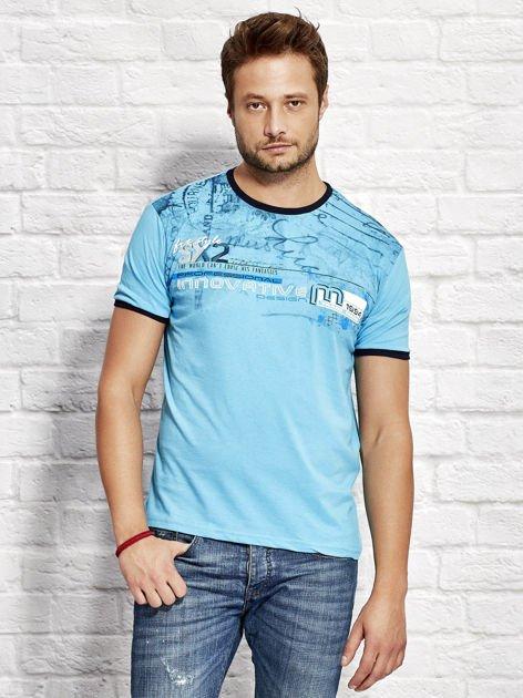T-shirt męski z tekstowym nadrukiem jasnoniebieski                                  zdj.                                  1