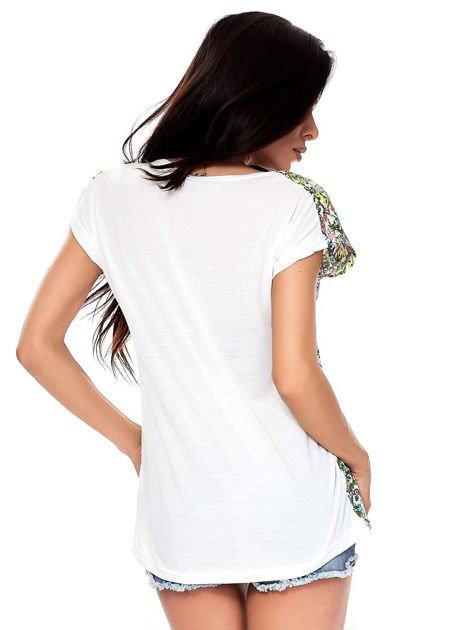 T-shirt w kolorowe drobne kwiatki                              zdj.                              2