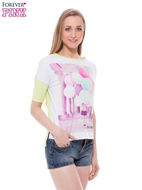 T-shirt z nadrukiem i dłuższym tyłem w zielonym kolorze