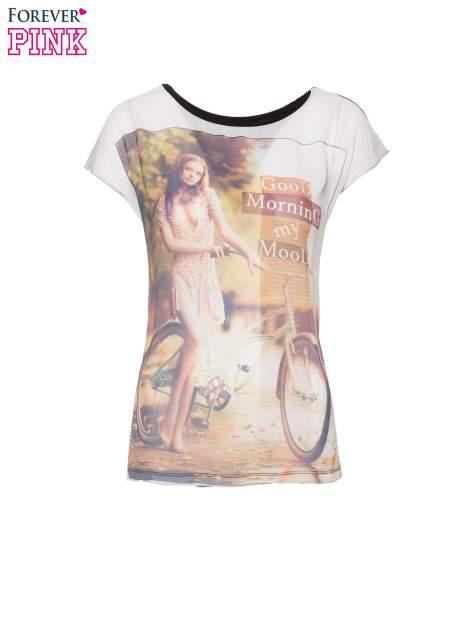 T-shirt z nadrukiem w stylu retro i czarnym tyłem                                  zdj.                                  2