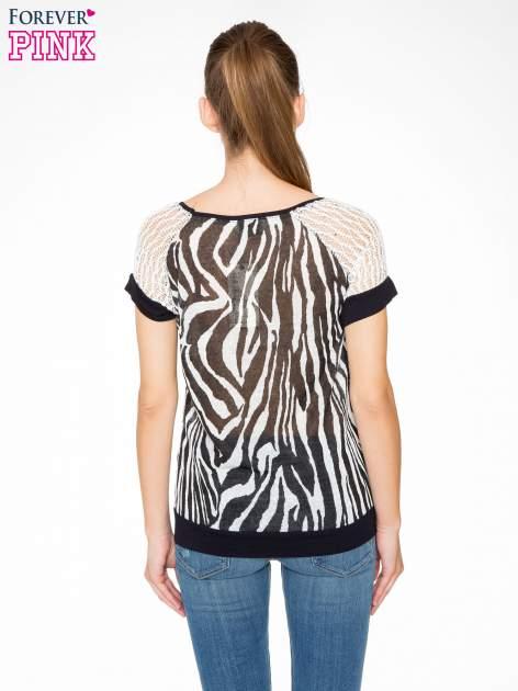 T-shirt z nadrukiem zebry i ażurowymi rękawami                                  zdj.                                  4