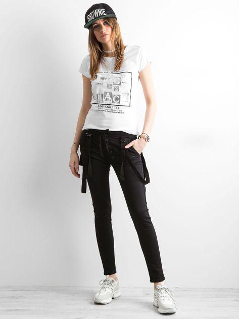 T-shirt z napisami biały                              zdj.                              4