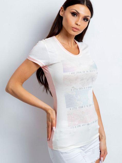 T-shirt z pastelowym nadrukiem jasnoróżowy                              zdj.                              3
