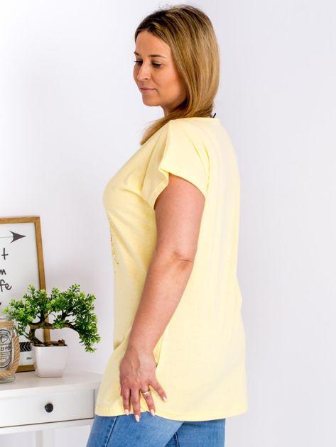 T-shirt żółty z truskawką PLUS SIZE                                  zdj.                                  3