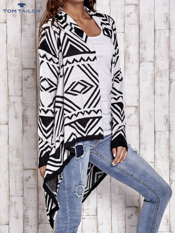 TOM TAILOR Biały asymetryczny sweter w graficzne wzory                                  zdj.                                  3