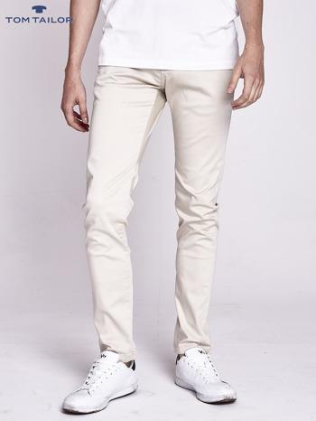 TOM TAILOR Jasnobeżowe spodnie męskie chinosy ze skórzanym paskiem