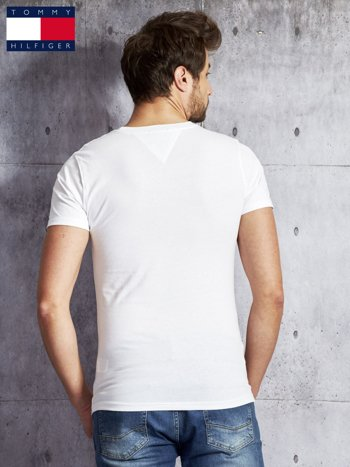 TOMMY HILFIGER Biały t-shirt męski z napisem                               zdj.                              2