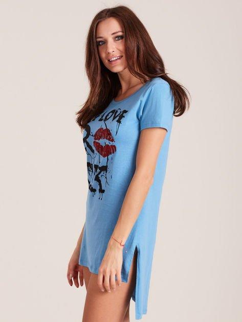Koszula nocna z nadrukiem ust niebieska                              zdj.                              3