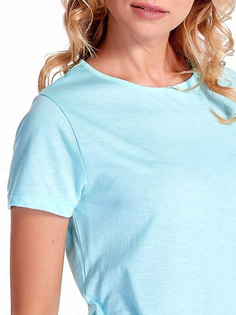 Turkusowy gładki t-shirt z rozcięciami na bokach                                  zdj.                                  5