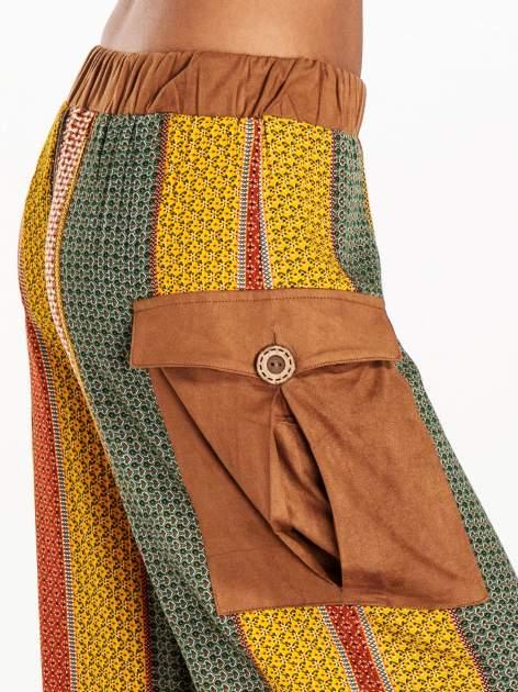 Wzorzyste spodnie palazzo z kieszeniami                              zdj.                              5