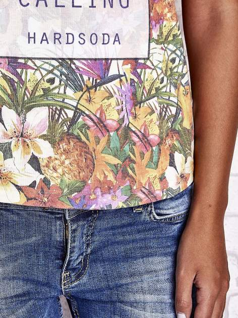 Wzorzysty t-shirt floral z napisem SUMMER IS CALLING                                  zdj.                                  6