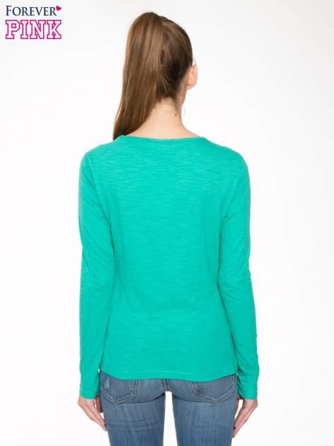 Zielona bawełniana bluzka typu basic z długim rękawem                                  zdj.                                  4