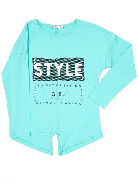 Zielona bluzka dla dziewczynki z napisem i aplikacją                              zdj.                              4