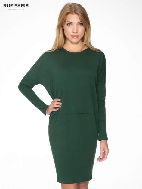 Zielona dresowa sukienka z nietoperzowymi rękawami