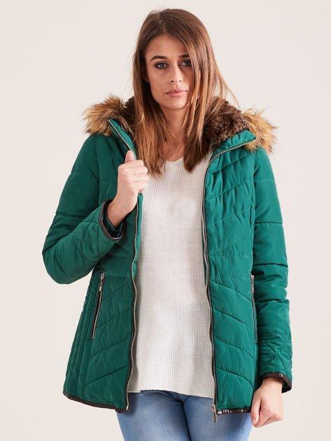 Zielona kurtka zimowa z futrzanym kapturem i kołnierzem                                  zdj.                                  1
