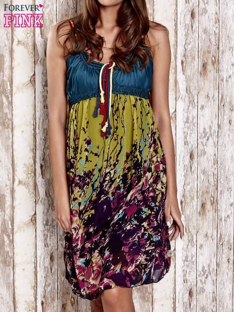 Zielona kwiatowa sukienka z kolorowymi troczkami                                  zdj.                                  1