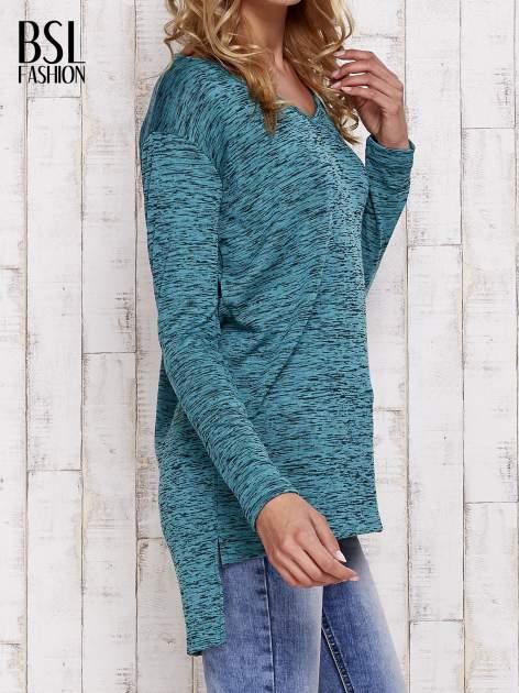 Zielona melanżowa bluzka z przedłużanym tyłem                                  zdj.                                  3