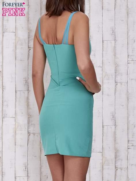 Zielona sukienka tuba z tiulowymi ramiączkami                                  zdj.                                  2