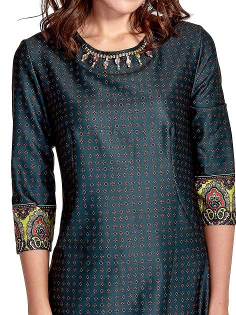 Zielona sukienka w indyjskim stylu                                   zdj.                                  6