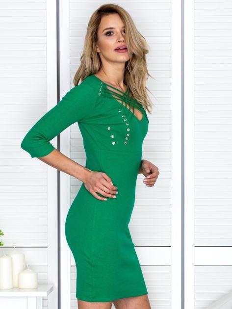 Zielona sznurowana sukienka w prążek                              zdj.                              3