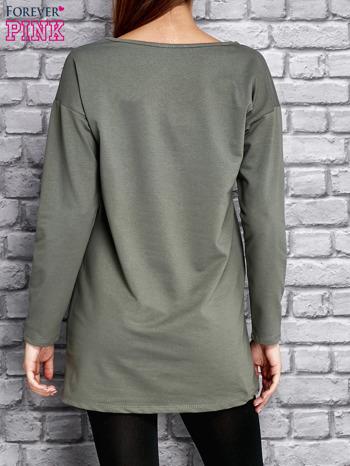 Zielona tunika ze srebrnym nadrukiem                                  zdj.                                  2