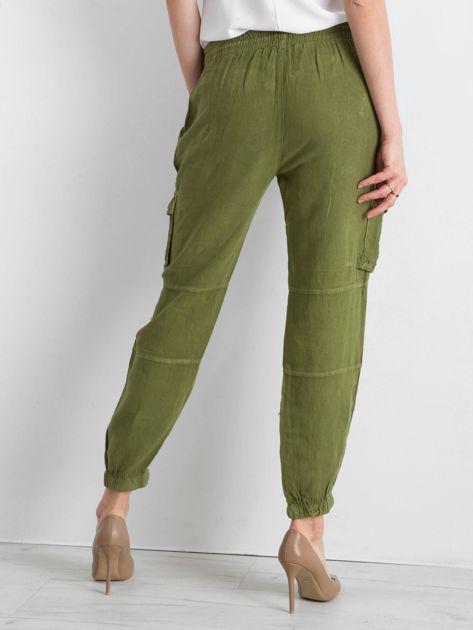 Zielone lniane spodnie cargo                              zdj.                              2